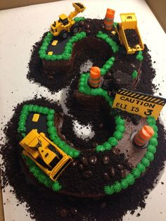 Construction Site Birthday Cake - how cute that the number 3 is a road that's under construction cake decorating recipes kuchen kindergeburtstag cakes ideas 3rd Birthday Cakes For Boys, 3 Year Old Birthday Party Boy, 2 Birthday Cake, Birthday Party Themes, Birthday Ideas, Third Birthday, Digger Birthday Cake, Tractor Birthday Cakes, Number Birthday Cakes