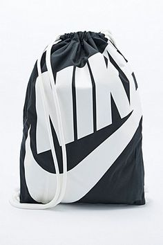 f53ef131b8 Nike - Sac noir avec cordon Nike Sac De Sport, Sac À Cordon, Portefeuille
