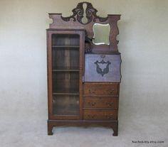 1900s Art Nouveau Desk & Glass Display Cabinet von Nachokitty