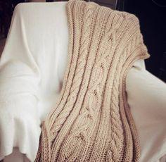 Manta Mecha tejida en lana mechalan. Color: Champagne Medidas: 1,80 x 0,80 cm http://tapamemucho.tiendanube.com/mantas/manta-mecha/