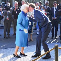 Star Tracks: Tuesday, May 19, 2015 | GRANDMAMA'S BOY | Could we love him any more? Prince Harry gives his grandmother, Queen Elizabeth, a quick smooch in London on Monday at the Chelsea Flower Show.