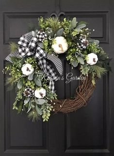 Find Your Style: 37 Fabulous Fall Wreaths - Dekoration - Fall decor ideas White Wreath, Diy Fall Wreath, Wreath Ideas, Winter Wreaths, Spring Wreaths, Summer Wreath, Holiday Wreaths, Fall Burlap Wreaths For Front Door, White Christmas Wreaths