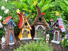 Si quieres que las hadas vivan en tu casa o jardín, debes tener una casa para ellas.