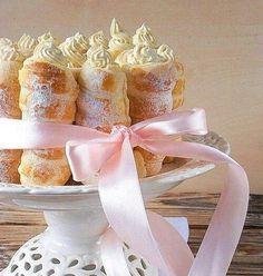 Cream horn cake