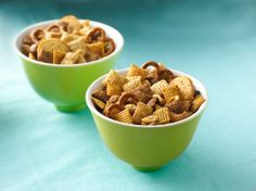 Original Chex® Party Mix - still the BEST tasting snack mix! The ORIGINAL original chex party mix recipe only called for three different chex cereals (wheat, corn and rice) and a can of mixed nuts (no pretzels or bagel chips). Chex Mix Recipes, Snack Recipes, Appetizer Recipes, Pretzel Recipes, Easy Recipes, Chex Party Mix Recipe, Homemade Chex Mix, Retro Recipes, Pasta