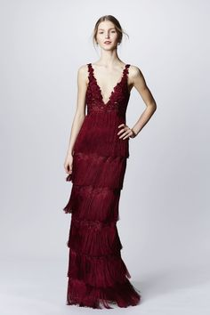Marchesa Notte Fall 2016 Ready-to-Wear collection, runway looks, beauty, models, and reviews.
