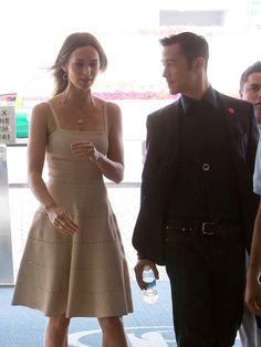 Joseph Gordon-Levitt Photo - Emily Blunt and Joseph Gordon Levitt Leave the Hilton