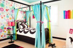 Blue, Green and Black Girl's Bedroom contemporain-enfant
