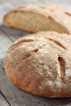 Tein päätöksen elokuussa, etten osta kaupasta ainuttakaan vaaleaa leipää. Pian päätöksen tehtyäni sain tarjouksen osallistua Myllärin Luo...