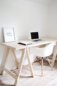 Hand-built from natural birch plywood and sealed with an anti-yellowing varnish, our plywood trestledesks (which includes one top and a pair of trestles) have a smooth finish and a very light, alm…