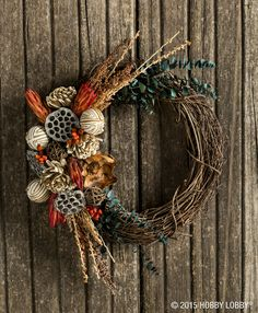 Be inspired by the season and create a beautiful wreath!