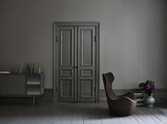 Grey walls/darker trim