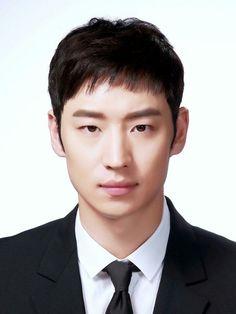 시그널, 박해영, 이제훈 Korean Celebrities, Korean Actors, Gorgeous Men, Beautiful People, Lee Je Hoon, Attractive Guys, Korean Star, Actors & Actresses, Handsome