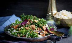 Lehtikaali tuli jäädäkseen - ruokaisa salaatti tammikuun kevennykseen