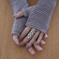 des jolies mitaines simples à tricoter en rond.