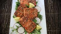 Salmon cakes can be served as sandwiches or without the bread as a main course. This recipe for homemade patties uses canned salmon.
