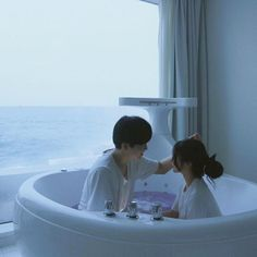ulzzang couple in water Mode Ulzzang, Korean Ulzzang, Ulzzang Girl, Korean Couple, Best Couple, Couple Bed, Cute Couples Goals, Couple Goals, Couple Avatar