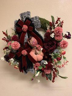 #velvetpumpkinwreath #pumpkinwreath #fallwreath #falldecor #pinkwreath #greywreath #google #holidaze #holidazedecor #holidaydecor #falldecor #wreath #doorwreath #floraldecor #floralwreath #holidaydecor #holidaydesigner #seasonal #elegant #romantic #bedroom #walldecor #mosswreath #fallflowers #etsyfinds #shop #gifts #etsy #instagood #pin