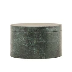 The cute jar from House Doctor is perfect for your smallest secrets as jewelry or sweets. It´s made in green marble with a lively expression and not two jars are the same. A trendy interior detail that suits as well in the bathroom as in the kitchen or living room. Combine with other products from the Danish Doctor.