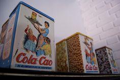 Vintage cola-cao tins by www.doctormuerte.com