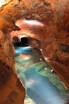 Underground Jenolan Caves in Blue Mountains ~ New South Wales Australia