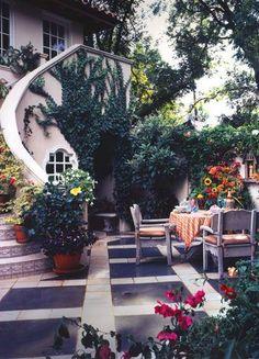 Italian Courtyard Gardens | italian courtyard garden | Very cool ...