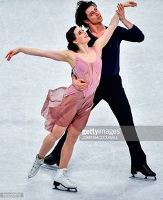 Canada's Tessa Virtue and Scott Moir compete to win the Ice Dance / Free Dance event at the ISU World Figure Skating Championships in Helsinki, Finland on April 1, 2017. / AFP PHOTO / John MACDOUGALL (Photo credit should read JOHN MACDOUGALL/AFP/Getty Images)