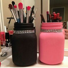 Trendy Ideas Makeup Storage DIY Brush Holders Mason Trendy Ideas Makeup Storage DIY Brush Holders Mason Jars Organize hacks with recycled materials - makeup ideas Makeup organization DIY drawer nail polish Diy Makeup Organizer, Make Up Organizer, Makeup Brush Storage, Make Up Storage, Makeup Brush Holders, Diy Storage, Makeup Organization, Bathroom Storage, Bathroom Organization