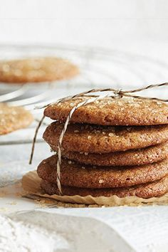 A Vitamix blender is the gift that keeps giving – and it'll help you keep giving too. Make delicious homemade gifts, like these tasty Ginger Snap cookies, with the versatility of Vitamix. Vitamix Recipes, Blender Recipes, Smoothie Recipes, Baking Recipes, Vitamix Blender, Smoothies, Healthy Cookies, Healthy Desserts, Just Desserts