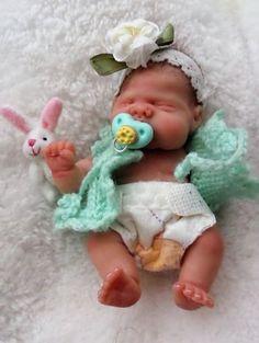 Small Baby Dolls, Realistic Baby Dolls, Newborn Baby Dolls, Cute Baby Dolls, Silicone Reborn Babies, Silicone Baby Dolls, Mini Bebidas, Silikon Baby, Baby Mold