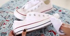 Easy and Best Ways to Clean White Converse Shoes