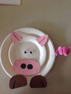 Thema; boerderij Farm Crafts, Preschool Crafts, Paper Plate Crafts, Paper Plates, Art For Kids, Crafts For Kids, Dog Boutique, Farm Theme, Leather Dog Collars