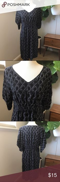 "Liz Lange Maternity Dress size M. Liz Lange Maternity Dress size M.  Super cute black maternity dress.  Kimono style.  Has geometric shapes.  Elasltic Rouching in front and back for growing belly.  Soft Rayon feel.  Appx Measurements; Bust 16"" Length 38""  Bundle and save.  Liz Lange for Target Dresses Midi"