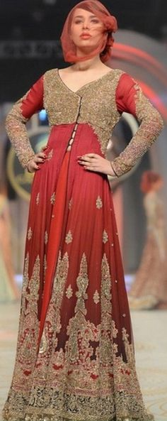 BB B-B (BridalsBrand) is having Ultimate Collections of Pakistani Designer Bridal Dresses. To place your order send us message on our page with dress link. Pakistani Bridal Dresses Online, Latest Bridal Dresses, Pakistani Outfits, Unique Dresses, Indian Outfits, Bridal Dress Design, Bridal Style, Pakistan Bridal, Dress Link