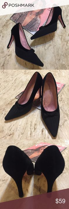⚜️Newport News Black Velvet Heels. Size 7M ⚜️NWOT Newport News black velvet & fabric heels. 7M. Beautiful for your holidays or New Years. Very elegant. Fabric upper. Balance is man made. Leather out sole. 4 inch heel. Newport News Shoes Heels
