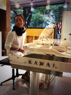 @AsiaPrince_JKS:2013.5.20 Twitter ピアノとオレとだれがもうかわいなの??