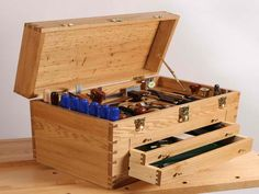 Wooden Tool Chest Plans - http://www.interior-design-mag.com/home-decorating-ideas/wooden-tool-chest-plans.html