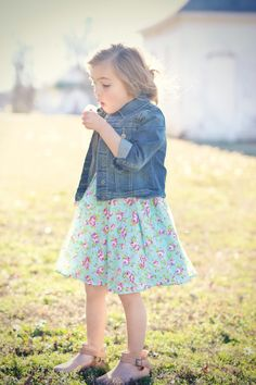 Floral dress//denim jacket #chasinivy