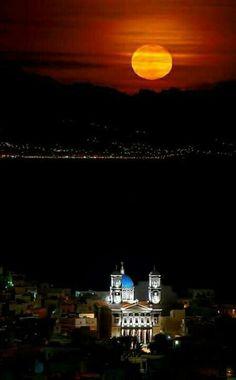 Full moon Syros island Cyclades Greece by Lemonakis Anthony Beautiful Moon, Beautiful World, Beautiful Places, Albania, Places Around The World, Around The Worlds, Syros Greece, Mykonos, Santorini