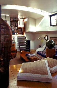 Paris House Boat- what a lovely space.