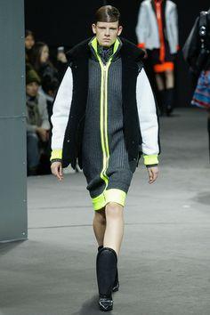 Alexander Wang Slideshow on Style.com