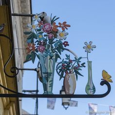 Lovely Florist Shop sign! Farm Signs, Pub Signs, Shop Signs, Metal Signage, Storefront Signs, Cafe Sign, Iron Art, Lovely Shop, Advertising Signs