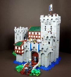 King Edric's Castle | by /MaximB/ Minecraft Castle, Lego Castle, Chateau Lego, Lego Burg, Amazing Lego Creations, Lego Pictures, Lego Worlds, Lego Architecture, Lego Projects