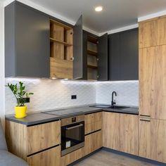 Kitchen Pantry Design, Luxury Kitchen Design, Home Decor Kitchen, Interior Design Kitchen, Home Kitchens, Black Kitchen Countertops, House Furniture Design, Small Apartment Kitchen, Modern Kitchen Interiors