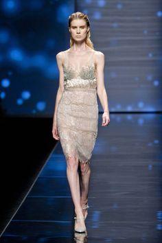 Alberta Ferretti Spring 2013 Ready-to-Wear Collection by elle.com