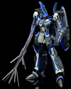 DX Chogokin Macross Frontier VF-25G with Super Pack - battroid mode
