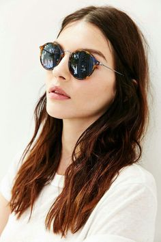 Round classic sunglasses Ray-Ban® 2447 #rayban #rayban2447 #raybanround #sunglasses #roundsunglasses