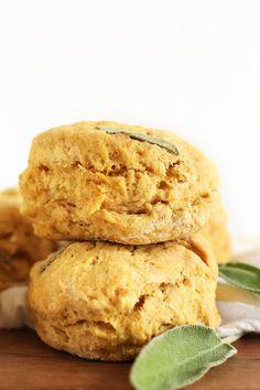 Fluffy 1 Bowl Vegan Pumpkin Sage Muffins! Perfect for fall and Thanksgiving #vegan