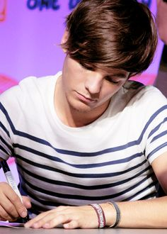 i just admire him so much. He's amazing! Cant Help Falling In Love, I Fall In Love, My Love, What Makes You Beautiful, You're Beautiful, One Direction, Everything Will Be Alright, Louis Williams, Larry Stylinson