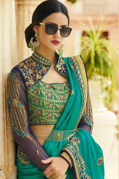 Top Latest and Trendy Blouse Designs For Saree Want to get that stylish look in Saree. Take a look at these stunning and trending blouse designs photos for ultimate style. Indian Blouse Designs, Blouse Back Neck Designs, Silk Saree Blouse Designs, Fancy Blouse Designs, Bridal Blouse Designs, Sari Design, Designer Kurtis, Latest Designer Sarees, Saris